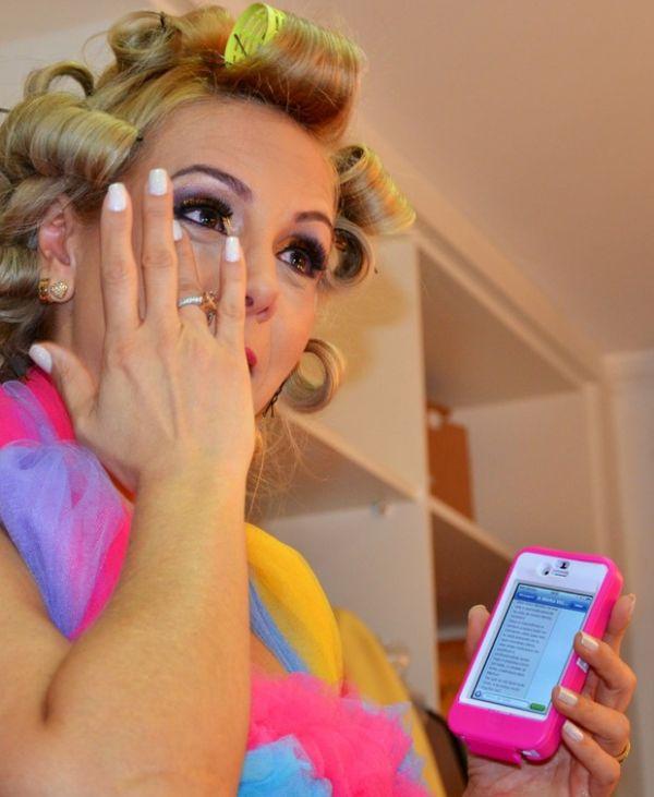 Xanddy faz Carla Perez chorar na estreia de seu programa infantil