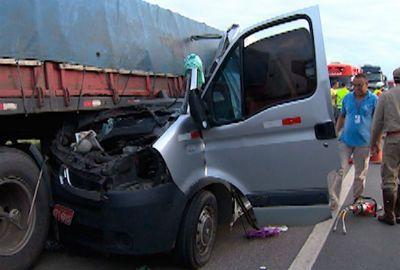 Recepcionista pulou de janela e saiu ilesa de acidente que matou 10 na BA