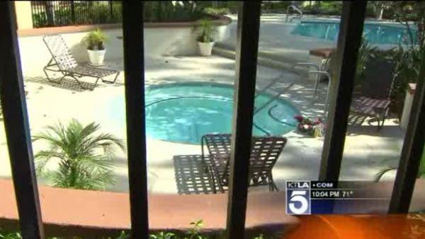 Menina morre após se afogar em piscina durante festa nos EUA