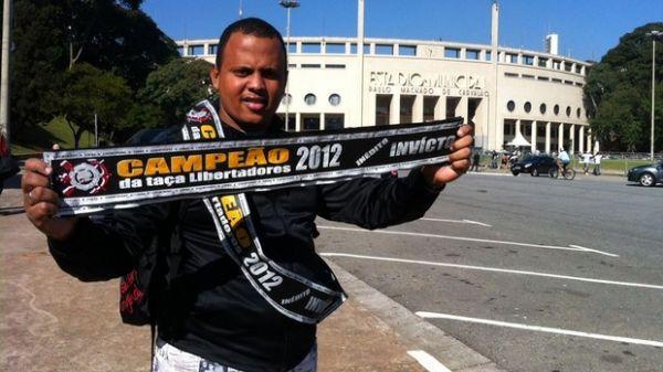 Corinthians x Boca: Pacaembu já tem até venda de faixas de campeão