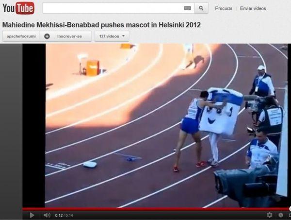 Francês vence corrida e ataca menina vestida de mascote