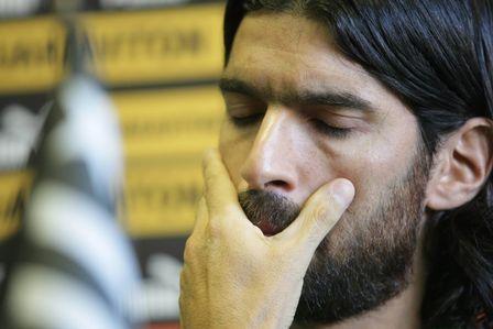 Loco Abreu se emociona em sua despedida do Botafogo: