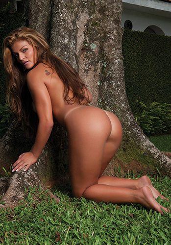 Revista Sexy divulga nova foto do ensaio Lorena Bueri, a Gata do Paulistão