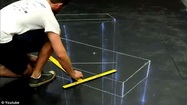 Artista de rua cria pintura 3D com Mario Bros