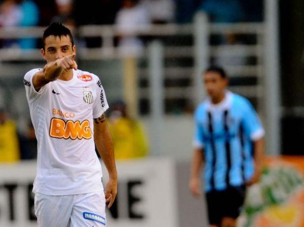Substituto de Ganso brilha, Santos bate Grêmio e vence a 1ª