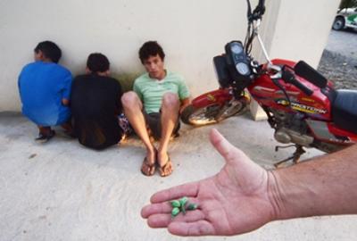 Homem é preso por oferecer serviço delivery de drogas