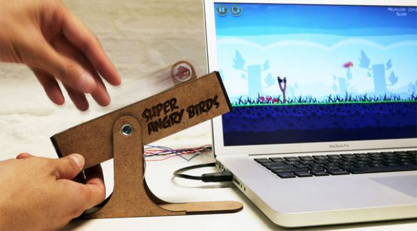 Fãs criam estilingue de verdade para jogar Angry Birds