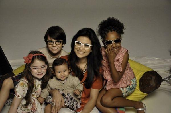 Fofura! Aline Barros fotografa com a filha para campanha