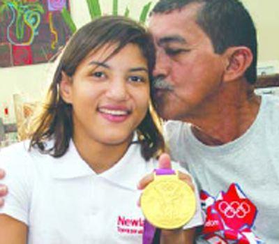 Pai de Sarah Menezes é torcedor de todas as horas