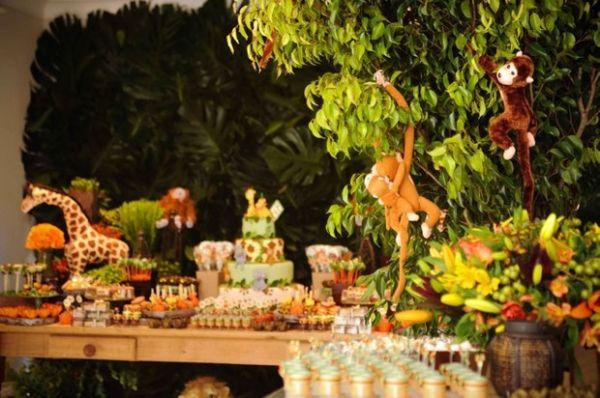 Eliana posta fotos do aniversário de um aninho do filho Arthur -> Decoração Festa Infantil Zoologico