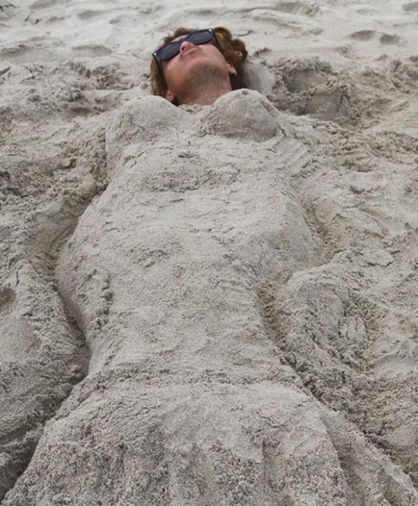 Beyoncé mostra corpão em foto de biquíni durante férias na praia