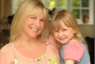 Mãe quer levar filha com doença terminal a Disney  e 7 maravilhas do mundo