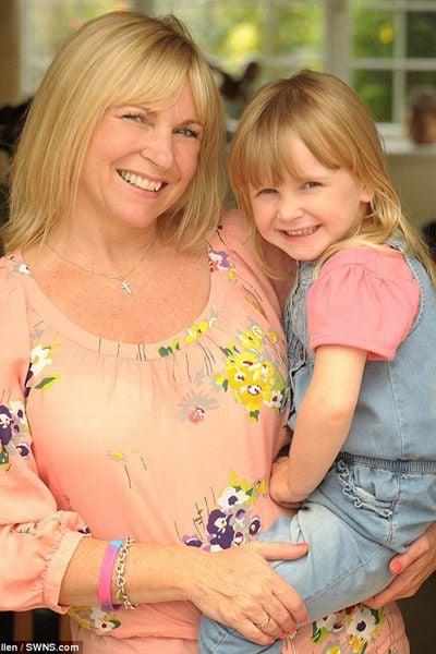 Mãe quer que filha de 3 anos em estado terminal conheça as 7 maravilhas do mundo