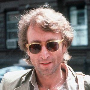 Mansão onde viveu John Lennon está à venda por 15 milhões de libras