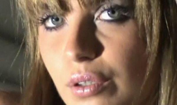 Modelo que ficou com Gusttavo Lima aparece loira e nua em vídeo