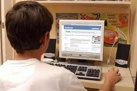 Adolescentes navegam cada vez menos no Facebook, diz site