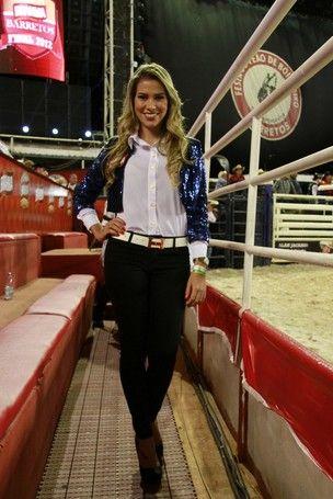 Em Barretos, ex-BBB Adriana diz que chorou por deixar Rodrigão em casa
