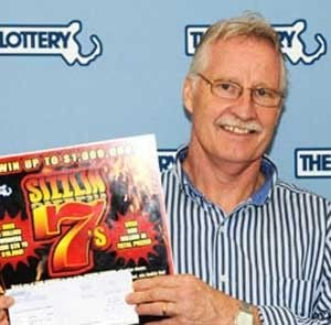 Homem ganha R$ 2 milhões após receber bilhete errado na lotérica