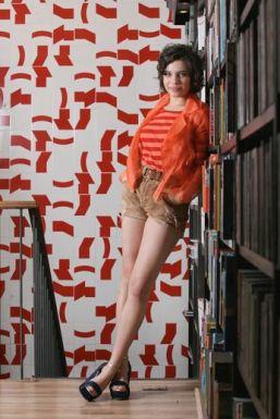 Bruna Linzmeyer diz estar sempre disponível para fazer as cenas de nudez em