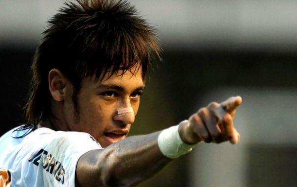 Tite diz que Neymar é mau exemplo para os jovens