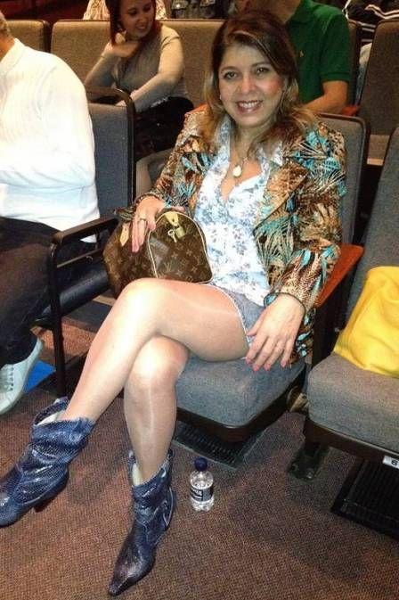 Roberta Miranda mostra pernas torneadas: ?Nenhuma celulite?
