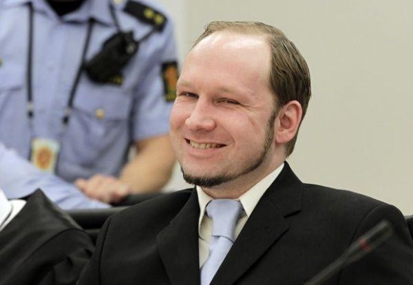 Atirador que matou 77 na Noruega pega 21 anos de prisão
