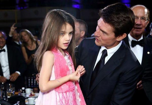 Tom Cruise vai pagar pensão de R$ 66 mil por mês para Suri