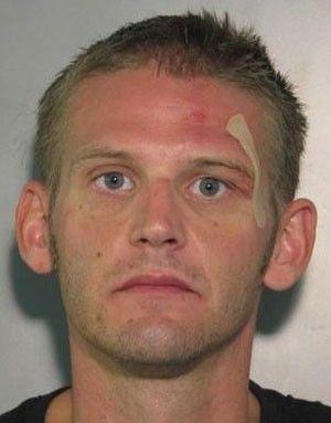 Ladrão é preso após roubar TV de 32 polegadas e fugir de bicicleta