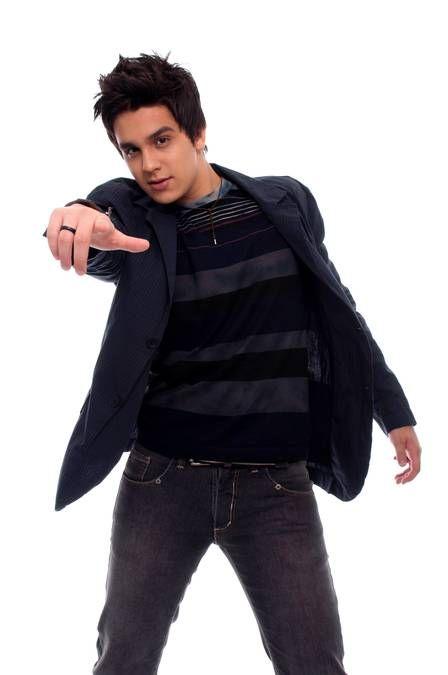 Modelo gaúcha que diz ser affair de Luan Santana há um ano reclama: ?Ele não assume ninguém?