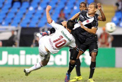 Thiago Nevez faz dois e comanda a vitória do Fluminense sobre o Vasco