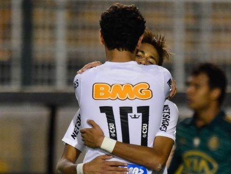 Após show, Neymar defende Ganso: