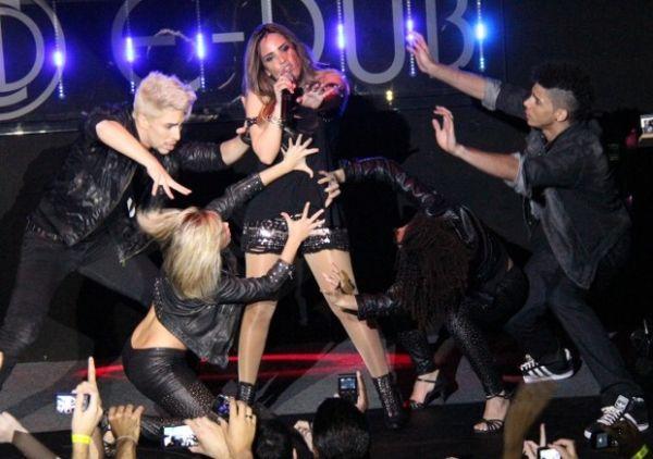Wanessa faz show ousado no interior de São Paulo; fotos!