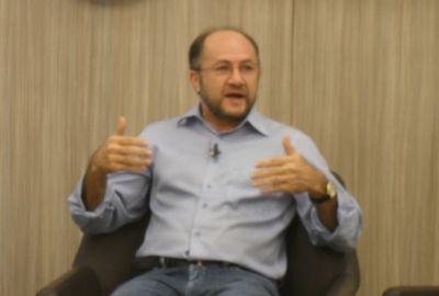 Cientista político Franciso Mesquita diz que proibições deixam eleição