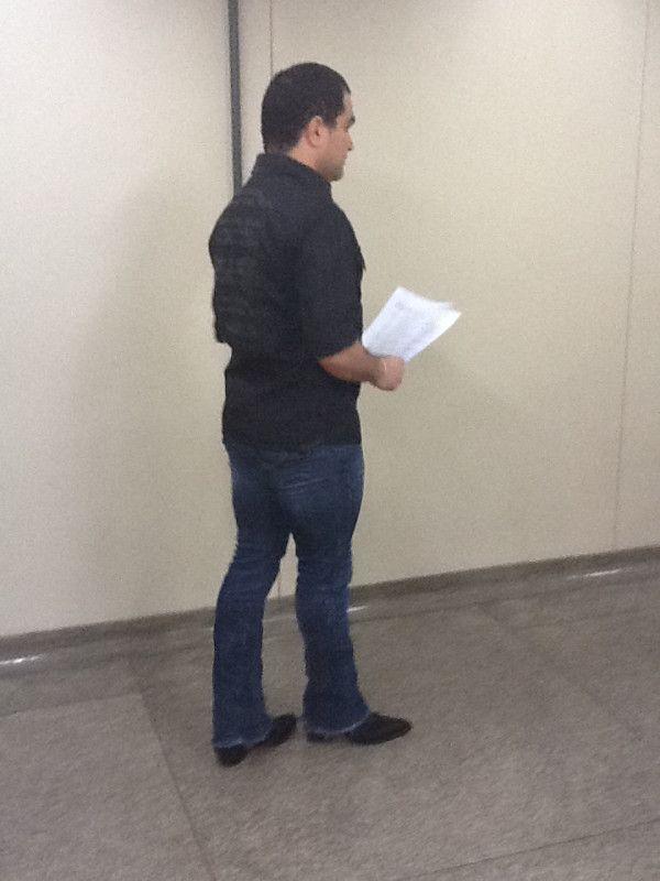 Após ser internado, Luciano volta ao trabalho ao lado de Zezé