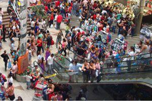 Atividade do comércio registra alta de 1% em julho, indica Serasa