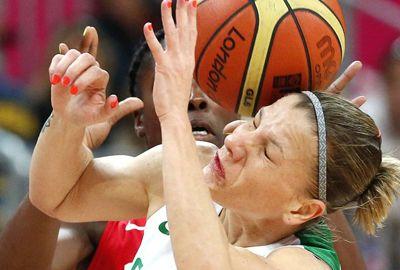 Brasil luta, mas tomba pela quarta vez e se despede no basquete feminino
