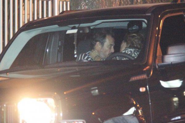 Cissa Guimarães é flagrada em clima de romance com ex-marido