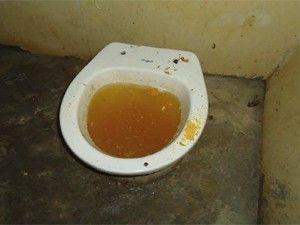 Conselho divulga fotos de más condições em presídio da Paraíba