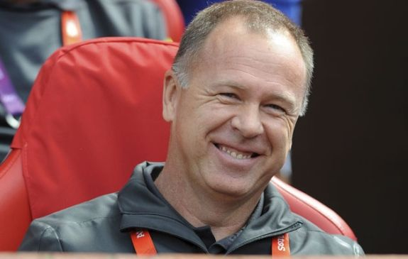 Mesmo com pressão, Marin assegura Mano até a Copa 2014