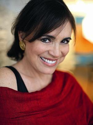 Regina Duarte celebra 50 anos de carreira com festa em Salvador