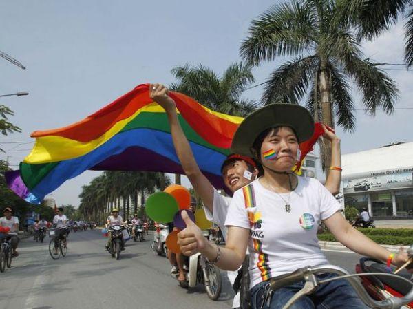 Vietnã abre espaço para primeira Parada Gay da história