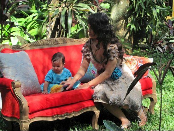 Com 9 meses, filha de Aline Barros faz sua