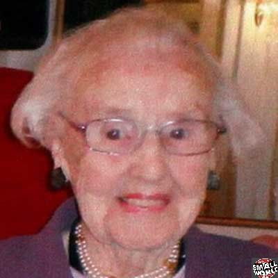 Mulher comemora aniversário de 100 anos e morre 10 min depois