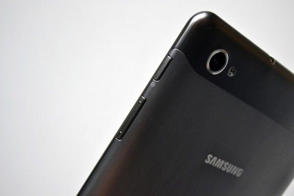 Confira os detalhes do  Galaxy Tab 7.7, o novo tablet de 8 polegadas