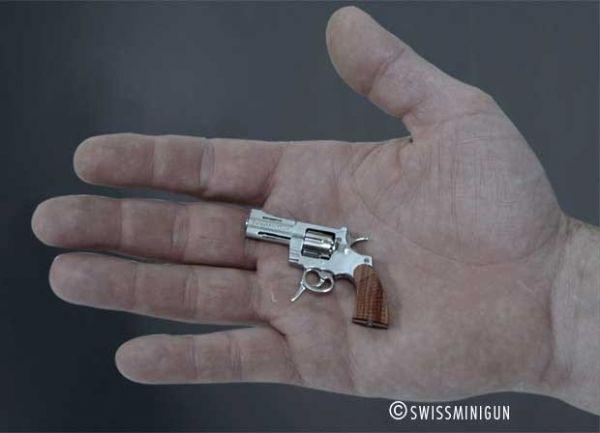 Por mais de R$ 12 mil, empresa suíça vende a menor arma do mundo