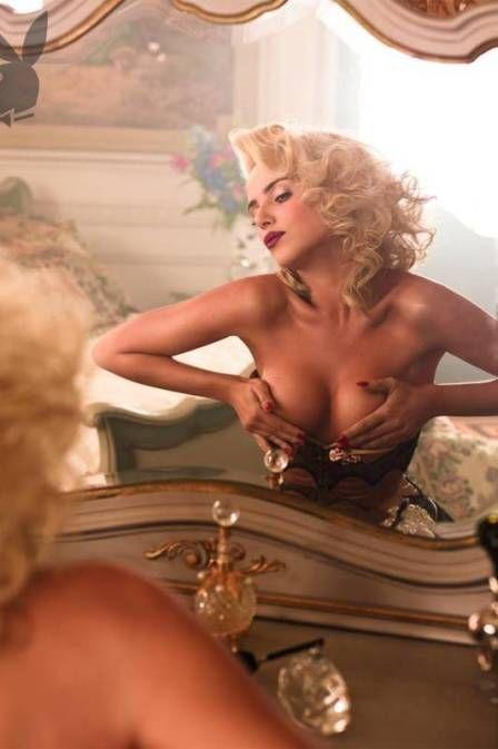Nathália Rodrigues apalpa os seios em nova foto da Playboy e diz que  pai aceitou o ensaio