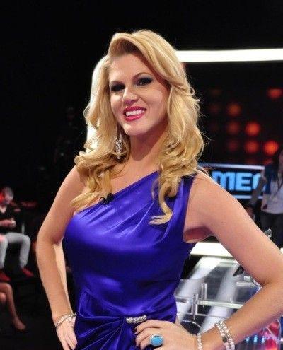 Val Marchiori pede desculpas à Viviane Araújo por ofensa em seu blog