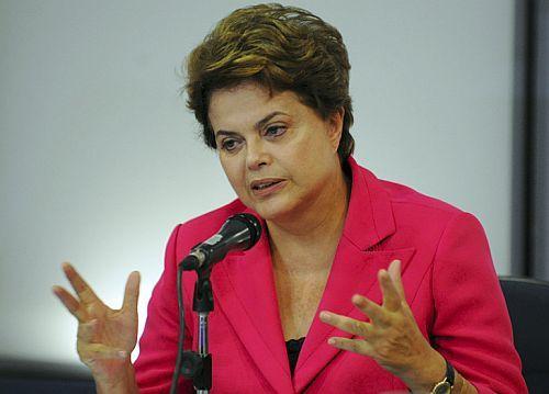 Web deverá ter média de 60% da velocidade contratada, diz Dilma