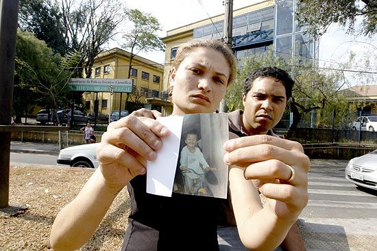 Menino de 4 anos com endema morre após passar mal em escola