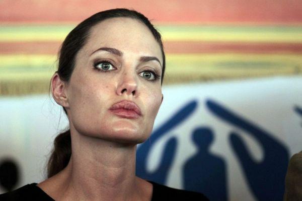 ONU envia Angelina Jolie a campo de refugiados sírios na Jordânia
